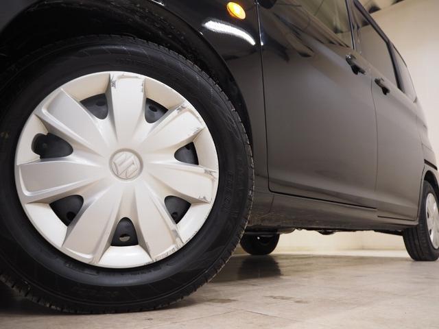 ホイルは14インチホイルになります。タイヤは夏冬セットでお付けしますので、余計な出費もかさまず安心です。タイヤサイズ165-70-14。
