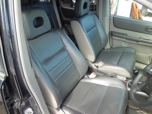 日産 エクストレイル 4WD S 5速マニュアル
