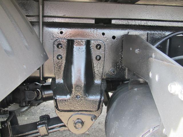 2t積 4ナンバー 平ボディ 4WD(14枚目)