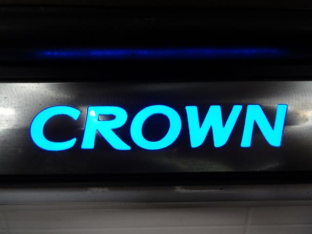 トヨタ クラウン ロイヤルサルーンG 19AW サンルーフ 革シート DVD
