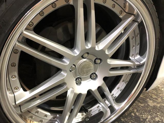 新品WORK-GNOCIS22インチを装着!タイヤサイズ255/30-22☆ホイールやタイヤの変更なども可能ですのでお気軽にお問合せ下さい!