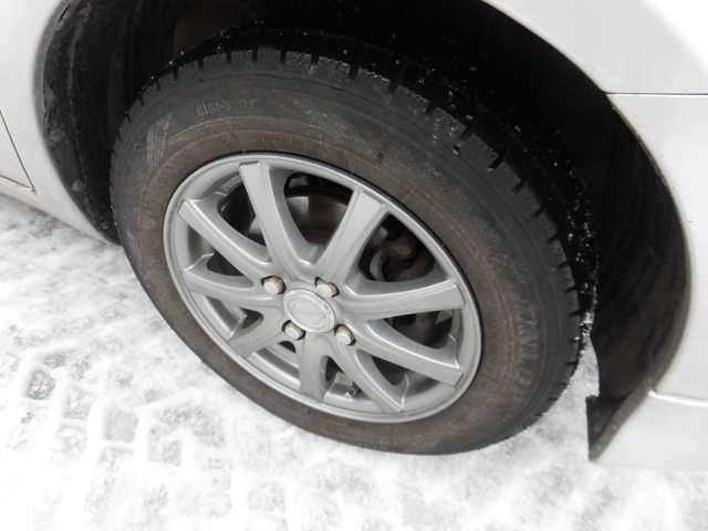 アルミ付きです!もちろん冬タイヤもございます。
