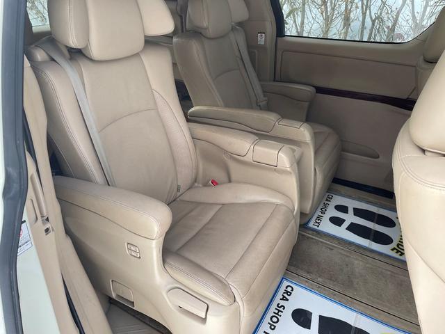 350G Lパッケージ 4WD サンルーフ 本革 両側パワスラ パワーバックドア モデリスタ(13枚目)