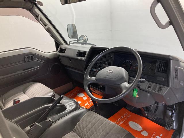 ロングDX 4WD 5速マニュアル 新品ホワイトレターマッドタイヤ ディーゼル(3枚目)