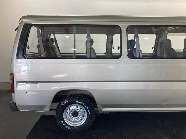 ロングDX 4WD 5速マニュアル 新品ホワイトレターマッドタイヤ ディーゼル(61枚目)