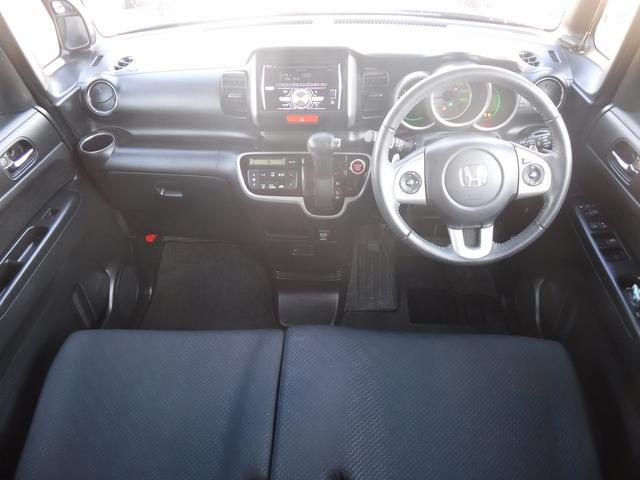 GターボSSパッケージ4WD 両側自動ドア 夏冬両タイヤ付き(9枚目)