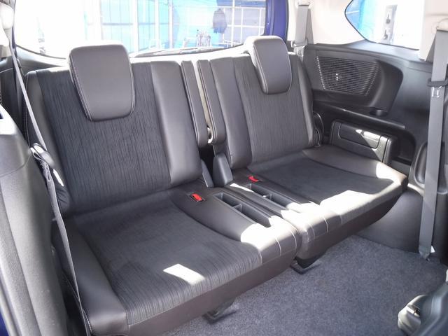 Gプレミアムエディション4WD寒冷地仕様Bカメラ両側自動ドア(18枚目)