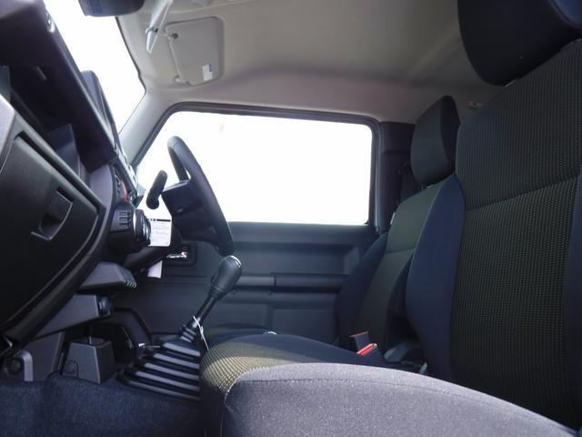 JC 4WD・5速MT・衝突軽減装置・横滑り防止機能・プッシュスター・スマートキー・LEDヘッドライト・フォグランプ・オートライト・クルーズコントロール・ステアリングリモコン・シートヒーター・背面タイヤ(14枚目)