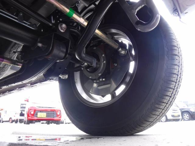 JC 4WD・5速MT・衝突軽減装置・横滑り防止機能・プッシュスター・スマートキー・LEDヘッドライト・フォグランプ・オートライト・クルーズコントロール・ステアリングリモコン・シートヒーター・背面タイヤ(40枚目)