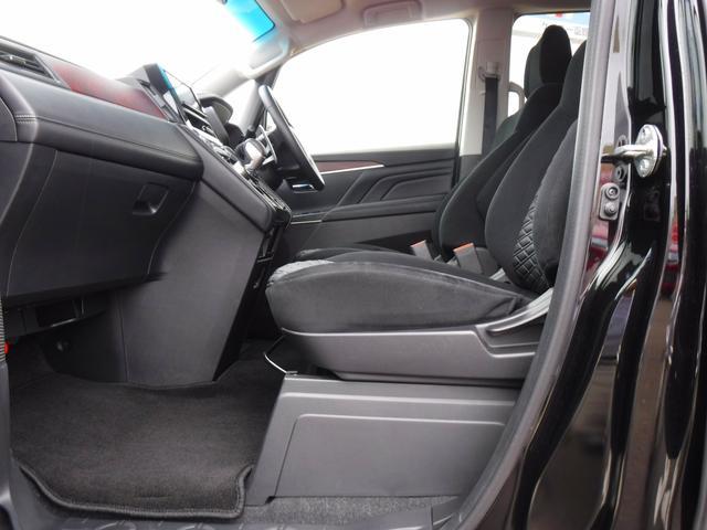 G 4WDディーゼル車・禁煙車・レンタアップ・社外メモリーナビ・アラウンドビューカメラ・両側自動ドア・ETC・パドルシフト・LEDヘッドライト・純正18inアルミ・スマートキー・プッシュスタート・クルコン(13枚目)