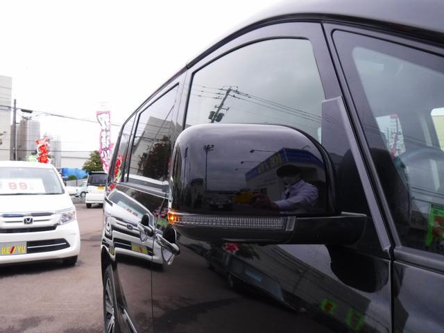 G 4WDディーゼル車・禁煙車・レンタアップ・社外メモリーナビ・アラウンドビューカメラ・両側自動ドア・ETC・パドルシフト・LEDヘッドライト・純正18inアルミ・スマートキー・プッシュスタート・クルコン(19枚目)