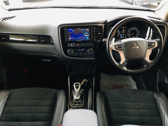 Gセーフティパッケージ 4WD アラウンドビューモニター LEDヘッドライト ハーフレザーシート シートヒーター ステアリングヒーター CD・DVD・USB・Bluetoothプレイヤー 衝突軽減ブレーキ(15枚目)