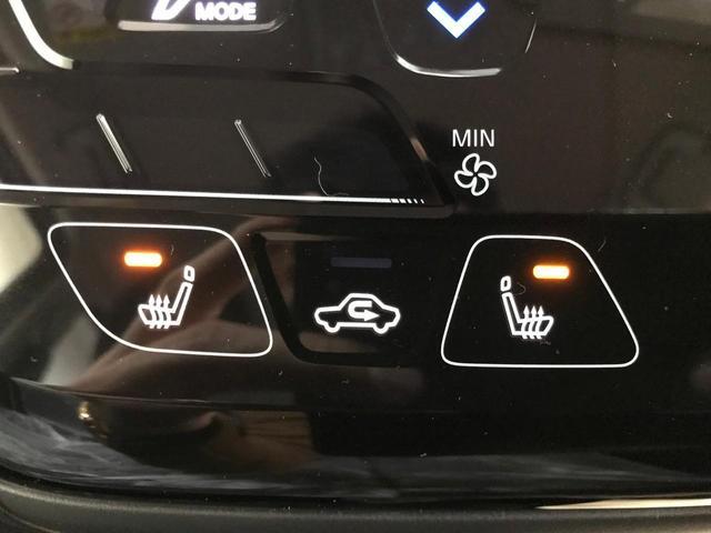 ドアミラーウインカー付き!利便性に優れたアイテムです!対向車への視認性に優れているので安心ですね♪