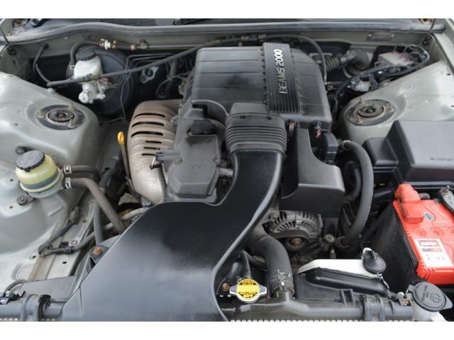 グランデFour Sパッケージ 4WD 修復歴無し 夏タイヤ(17枚目)