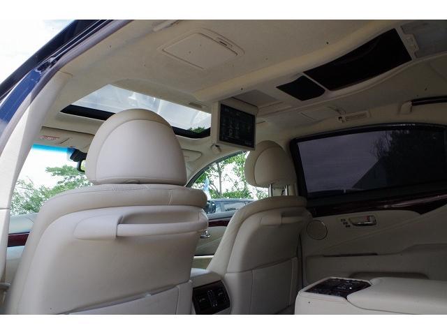 LS600hL 4WD/4年保証/WALDフルエアロ/Bバイソン/20AW/LSロング/リアエンター/マークレビンソン/中期テール/サスコン/サンルーフ(20枚目)