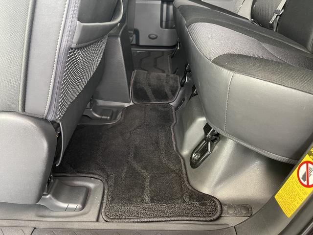 カラーパッケージ 4WD Bカメラ クルコン 寒冷地仕様 障害物センサー フルセグナビ 社外アルミ 横滑り防止 ETC プレイヤー接続(13枚目)