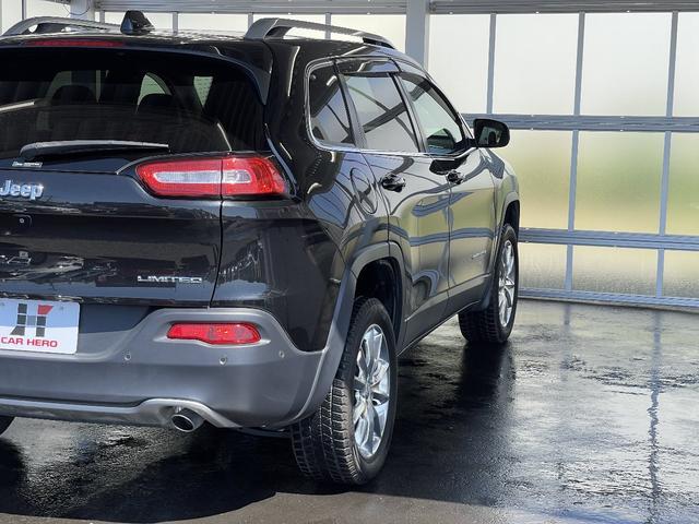 リミテッド 4WD Bカメラ 障害物センサー クルコン ETC ナビ シートヒーター 本革シート HIDライト 横滑り防止 フォグ(7枚目)
