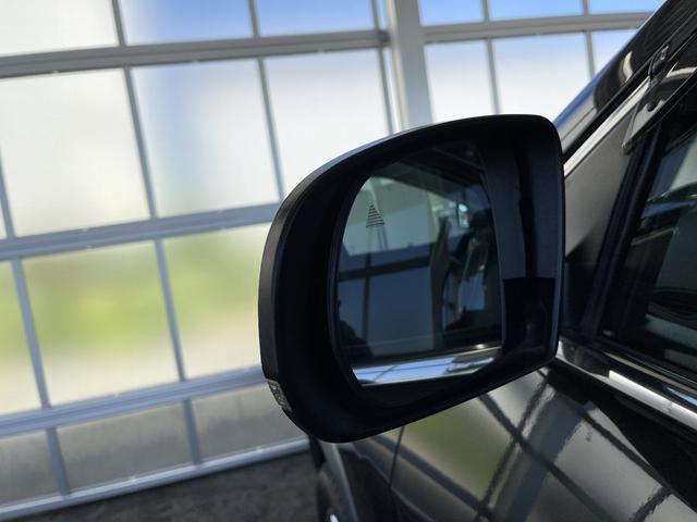 リミテッド 4WD Bカメラ 障害物センサー クルコン ETC ナビ シートヒーター 本革シート HIDライト 横滑り防止 フォグ(17枚目)