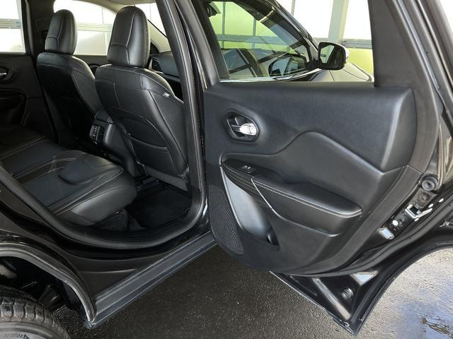 リミテッド 4WD Bカメラ 障害物センサー クルコン ETC ナビ シートヒーター 本革シート HIDライト 横滑り防止 フォグ(31枚目)