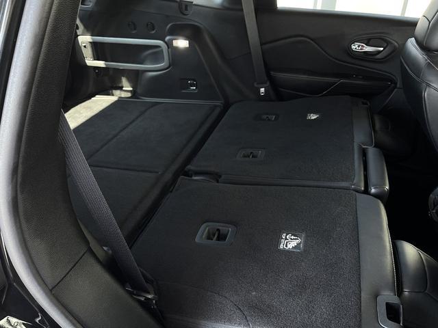 リミテッド 4WD Bカメラ 障害物センサー クルコン ETC ナビ シートヒーター 本革シート HIDライト 横滑り防止 フォグ(32枚目)
