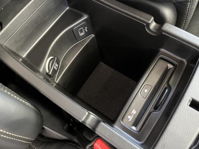 リミテッド 4WD Bカメラ 障害物センサー クルコン ETC ナビ シートヒーター 本革シート HIDライト 横滑り防止 フォグ(50枚目)