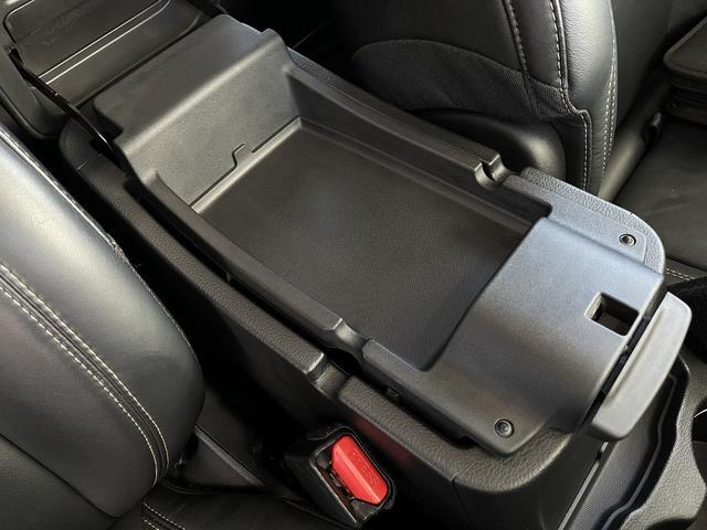 リミテッド 4WD Bカメラ 障害物センサー クルコン ETC ナビ シートヒーター 本革シート HIDライト 横滑り防止 フォグ(54枚目)