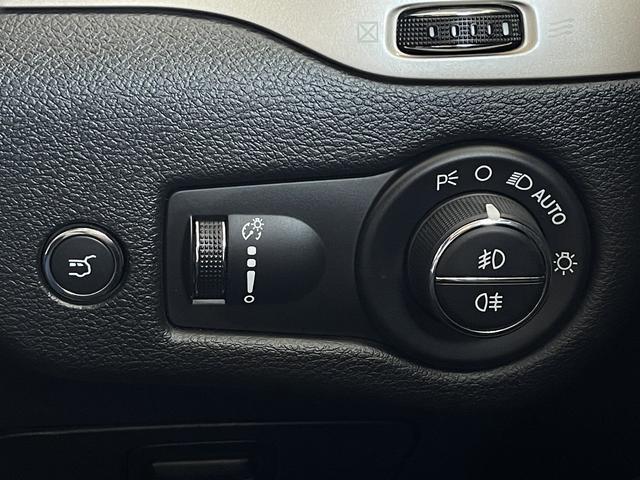 リミテッド 4WD Bカメラ 障害物センサー クルコン ETC ナビ シートヒーター 本革シート HIDライト 横滑り防止 フォグ(55枚目)