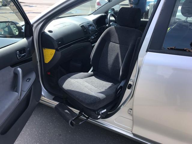 福祉車輌 助手席回転シート 4WD キーレス 純正オーディオ(3枚目)