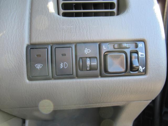 Vセレクション 4WD ワンオーナー CDオーディオ ABS(12枚目)