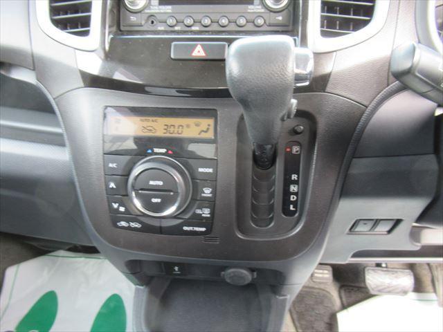 S 4WD Bモニター付きCD HID 両側Pスライドドア(12枚目)