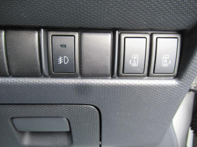 S 4WD Bモニター付きCD HID 両側Pスライドドア(18枚目)