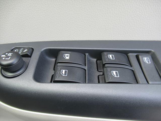 X LパッケージS 4WD ETC 純正SDナビ Bモニター(16枚目)