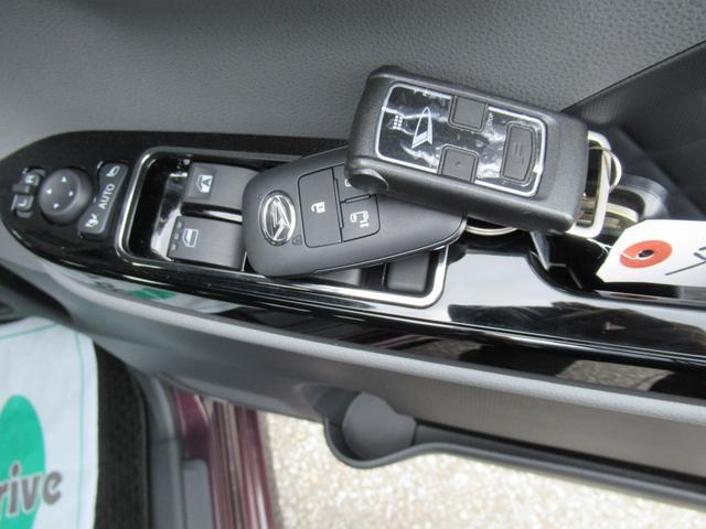 カスタムX 4WD ETC LEDライト エンジンスターター プッシュスタート 純正ナビ・TV ドライブレコーダー 左右パワースライドドア シートヒーター スマートアシスト ハーフレザーシート オートハイビーム(12枚目)