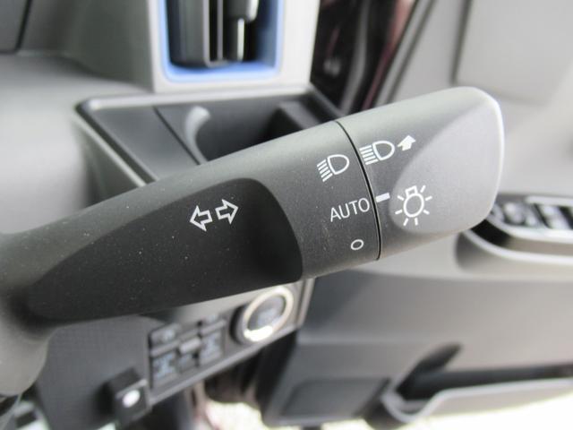 カスタムX 4WD ETC LEDライト エンジンスターター プッシュスタート 純正ナビ・TV ドライブレコーダー 左右パワースライドドア シートヒーター スマートアシスト ハーフレザーシート オートハイビーム(22枚目)