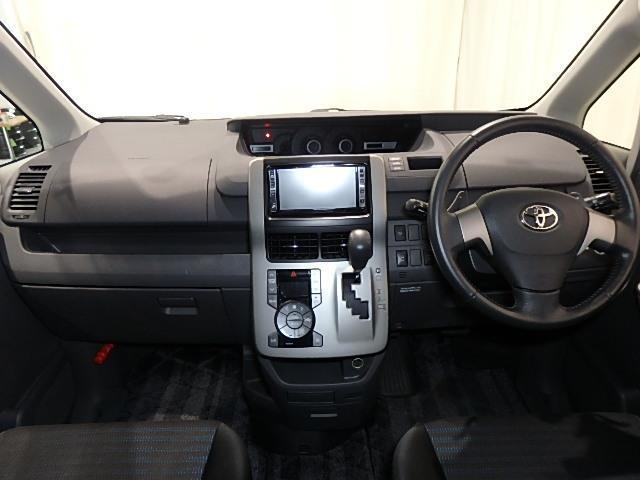トヨタ ヴォクシー ZS 4WD