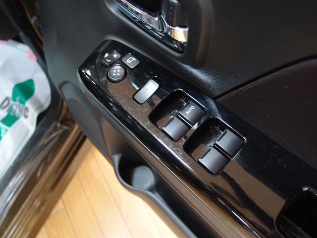 スズキ ワゴンRスティングレー ハイブリッドX4WD 届出済未使用車 シートヒーター