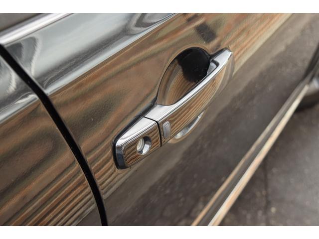 20G FOURアーバンブラックレザー 4WD メモリーナビ バックカメラ サイドカメラ DVD再生 シートヒーター サンルーフ 革シート HID オートライト(14枚目)