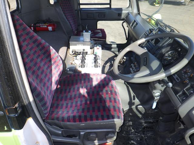 「その他」「UDトラックス」「トラック」「北海道」の中古車13