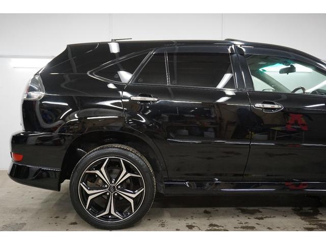 トヨタ ハリアーハイブリッド プレミアムSPKG 4WD・20AW・黒本革・SR・JBL・