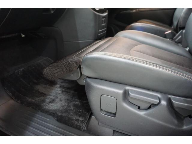 250ハイウェイスターS アーバンクロム 本州仕入れ・ロクサーニ20インチ&新品夏タイヤ・アラウンドビューモニター・メーカーナビ&フリップダウンM・ハーフエロ&LEDデイライト&社外グリル・クールBOX・7人乗り・両側自動ドア・後期モデル(60枚目)