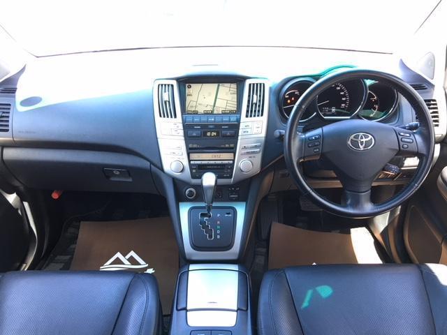 プレミアムSパッケージ 4WD ワンオーナー 黒革シート(4枚目)