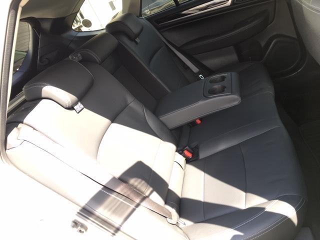 「スバル」「レガシィアウトバック」「SUV・クロカン」「北海道」の中古車33