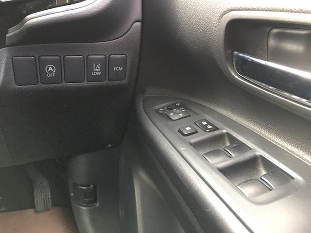 24Gセーフティパッケージ 4WD 7人乗 ケンウッドSDナビ 先行車追従オートクルーズコントロール HIDヘッドライト フォグランプ ステイアリングスイッチ アイドリングストップ パドルシフト ETC 純正エンジンスターター(13枚目)