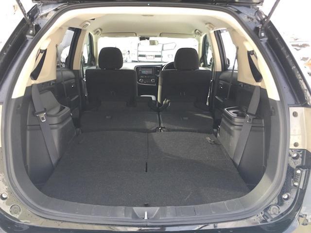 24Gセーフティパッケージ 4WD 7人乗 ケンウッドSDナビ 先行車追従オートクルーズコントロール HIDヘッドライト フォグランプ ステイアリングスイッチ アイドリングストップ パドルシフト ETC 純正エンジンスターター(33枚目)