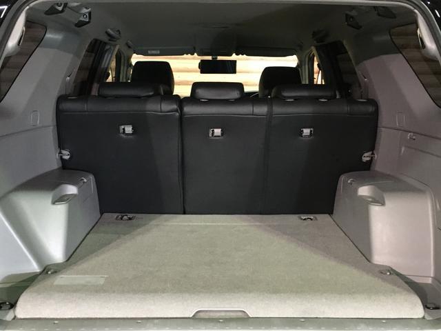 ★5名乗車時でも、十分な荷室容量があります!