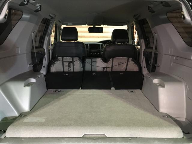 ★セカンドシートを収納すると、広々とした荷室になります!