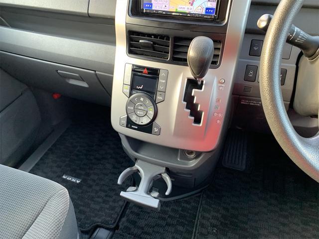 X Lエディション 4WD キーレス 社外ナビTVフルセグ 社外17インチAW 左側Pスライドドア HIDヘッドライト LEDフォグランプ 寒冷地仕様(11枚目)