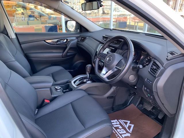 20X ストラーダSDナビ レーダーブレーキ パワーバックドア カプロンシート コムテックエンジンスターター コーナーセンサー バックカメラ ステアリングスイッチ 革巻きステアリング LEDヘッドライト(21枚目)