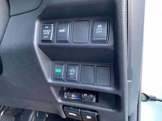 20X ストラーダSDナビ レーダーブレーキ パワーバックドア カプロンシート コムテックエンジンスターター コーナーセンサー バックカメラ ステアリングスイッチ 革巻きステアリング LEDヘッドライト(32枚目)