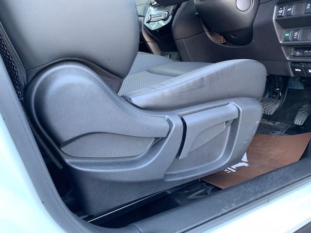 20X ストラーダSDナビ レーダーブレーキ パワーバックドア カプロンシート コムテックエンジンスターター コーナーセンサー バックカメラ ステアリングスイッチ 革巻きステアリング LEDヘッドライト(43枚目)